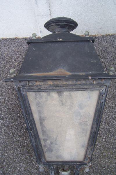 lanterne ancienne à suspendre en façade