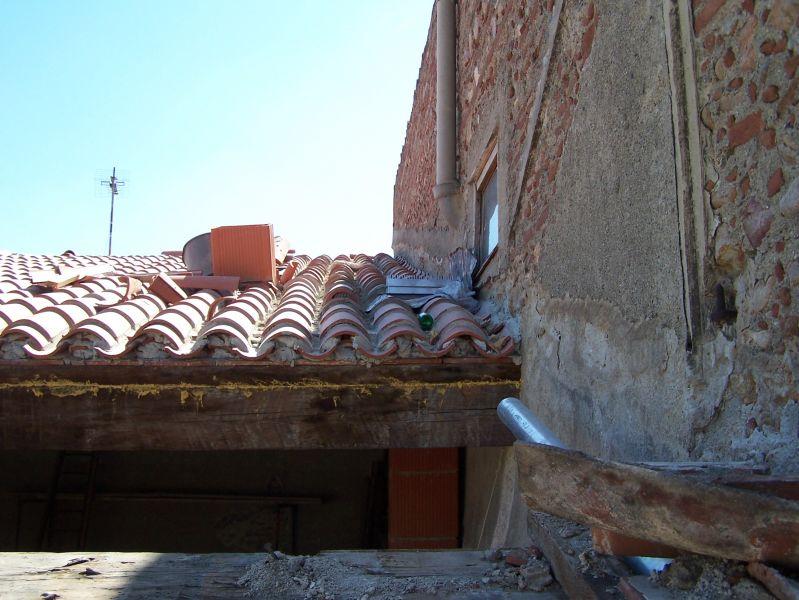 Escalier Colimacon Murs Pierre Naturelle ~ Escalier suspendu de design ...