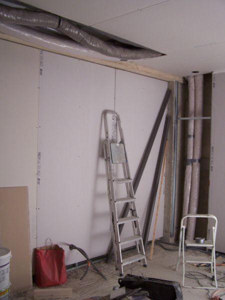 et elles longent les murs pour traverser les étages